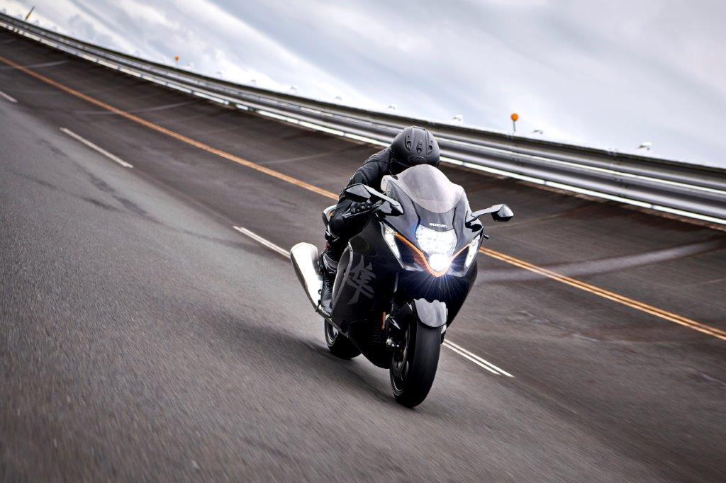 'Busa's back! Suzuki reveals new Hayabusa for 2021.